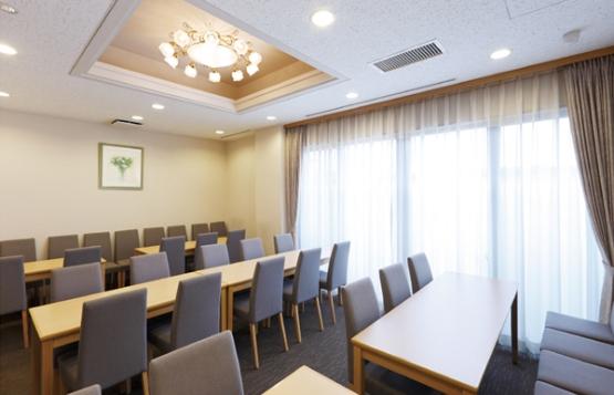 多摩葬祭場 待合室の写真